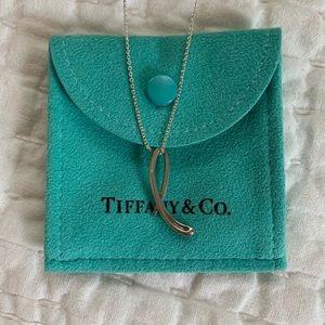 """Tiffany & Co. Elsa Peretti letter """"L"""" pendant"""